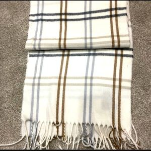 Cream Cosy scarf
